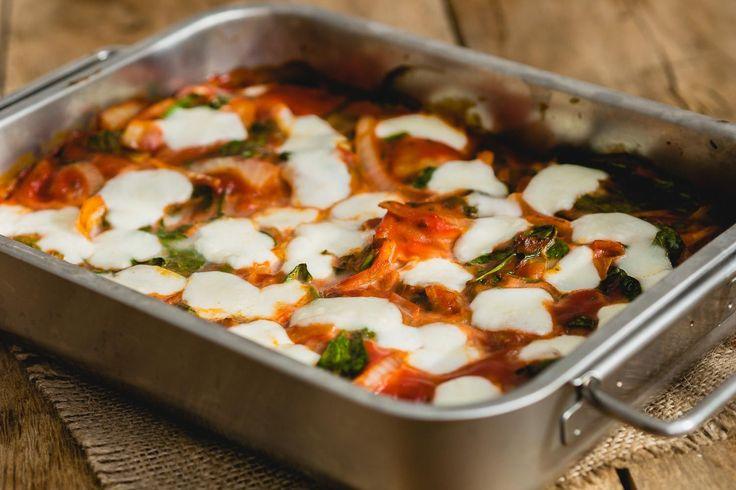 Pasta blijft een van de meest snelle gerechten om te maken. Je kookt pasta, maakt ondertussen een sausje en zo heb je ontzettend snel je eten op tafel staan. Je …