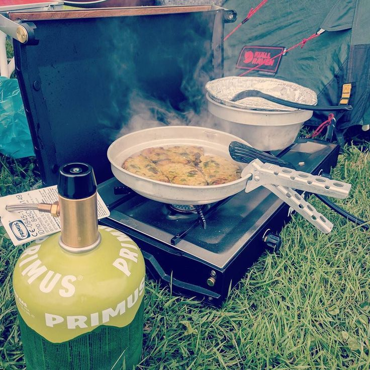 Cooking vegan Biff's with rice and vegetables in windy conditions with a Primus double flames cookingstove and Summergas.  #primus #cooking #vegan #outdoor #campingfood  #camping #Sweden #Scandinavian #windy vegetarian