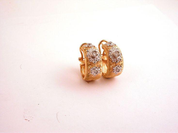 Earrings - Lobe. 18 carat gold (kt), white and yellow gold, 17.00 grams (gr). 6 diamonds,brilliants cut  0.25  carat (G colour VVs clarity). Codex: EPML.