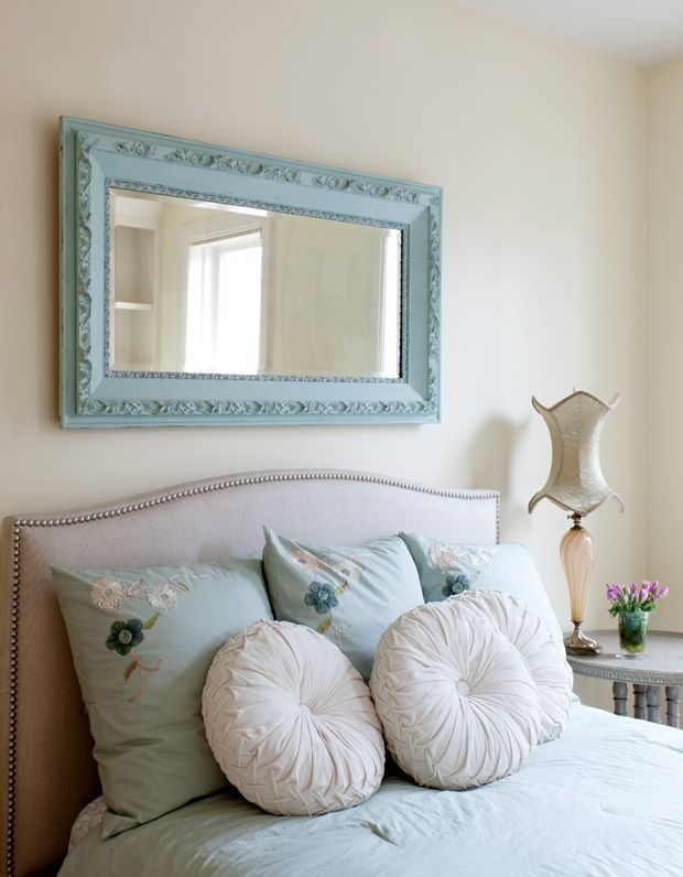Best 25 above headboard decor ideas on pinterest master - Above the headboard decorating ...