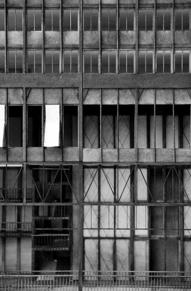 Studio Tom Emerson - Habis Royal