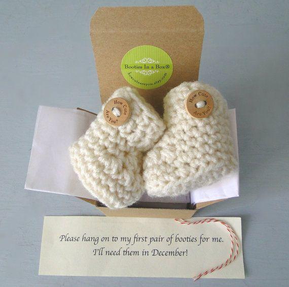 Annuncio di gravidanza, sesso del bambino rivelare, Babbucce IN un BOX® con bottoni in legno opzionale, babbucce neonato, messaggio personalizzato