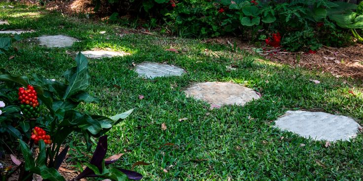 Citrine Quartz organic stepping stones are a great choice if you want to easily create an organic walkway through your garden or courtyard. Visit our website to learn the various characteristics of each stone and receive individual assistance in choosing just the right product to beautify your home and garden.  #steppingstones #steppers