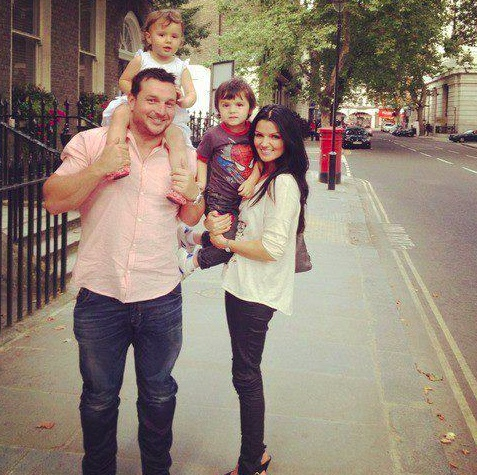 Paul Higgins with his wife and kids! Such a beautiful family (: