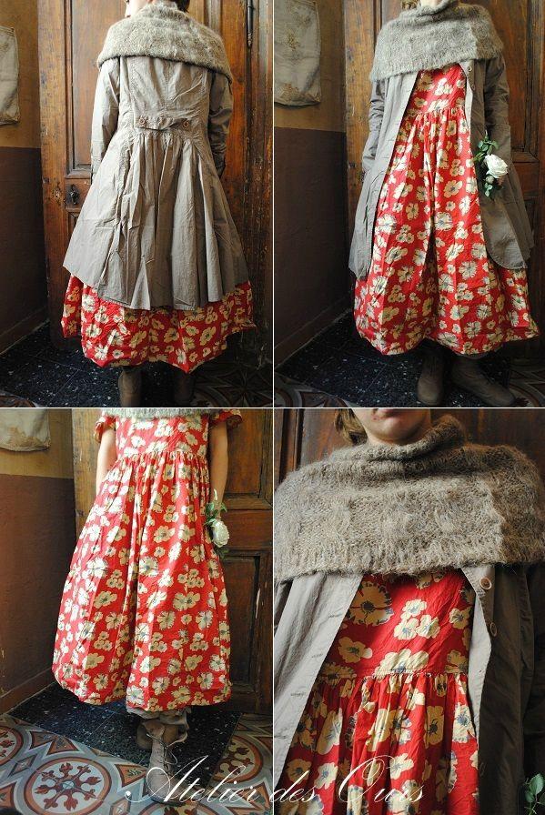 MLLE CAPUCINE : Une redingote pour trois robes EWA IWALLA, chaussures TRIPPEN - Atelier des Ours.