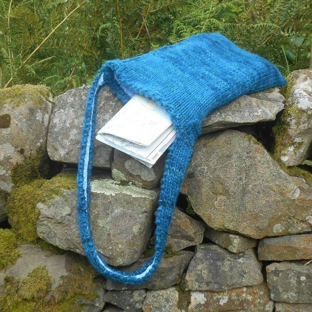 British wool shoulderbag knitted hand-dyed wool book bag