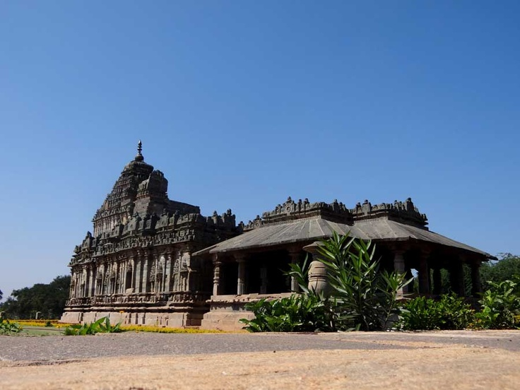 Jain temple (Brahma Jinalaya) in Lakkundi, Karnataka, India, early 11th century.