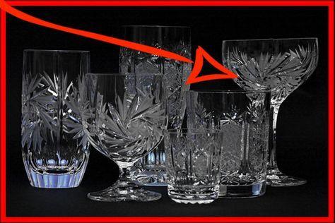 Är kristallglasen grumliga, matta och disiga? Eller har de tråkiga fläckar? Med hjälp av vårt enkla knep kommer dina kristallglas bli som nya!