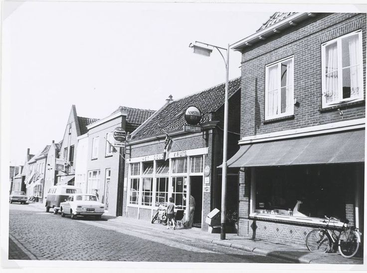 Langenoordstraat (Cafe Het Gouden Kruis van Leen Nootenboom en daarna Gerrit Moret)