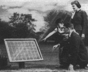 Tranzistorul este cea mai importantă piesă electronică din istoria omenirii deoarece aceasta a permis inventarea calculatoarelor. A fost descoperită ca urmare a inventării celulei solare fotovoltaice.  Află mai multe despre importanța celulei solare în lume în acest scurt istoric