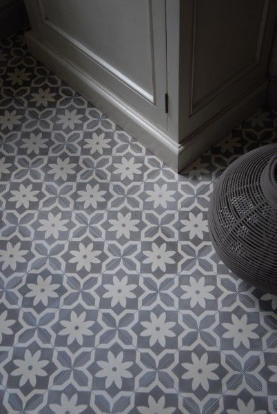 »Cement tile model AZUL« by Replicata: ornament FLOWER POINT, dimensions:, 150 x 150 x 15 mm, , packaging unit:, 10 tiles/box = 0,225 sqm Reproduction