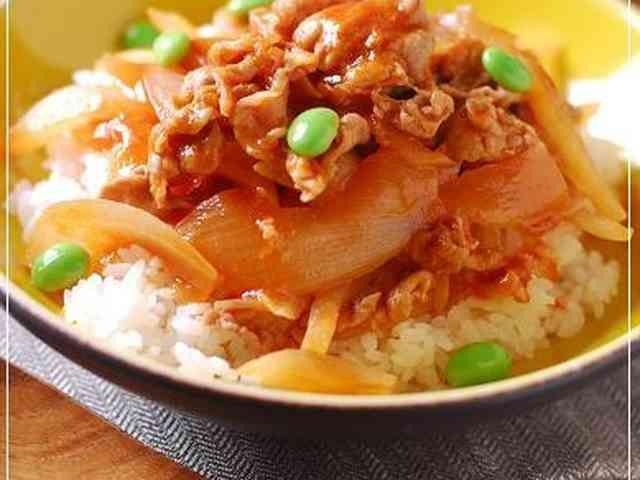 豚こま&玉ねぎのポークチャップ丼の画像