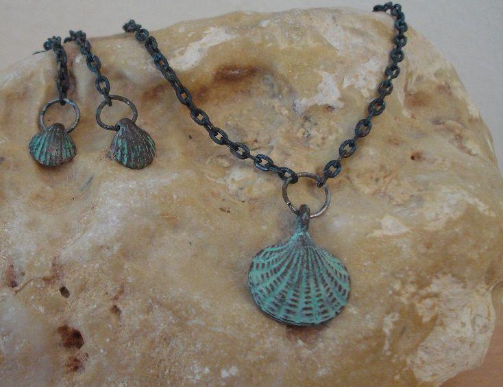 Seashell pendant  - Seashell earrings - Verdigris patina on copper