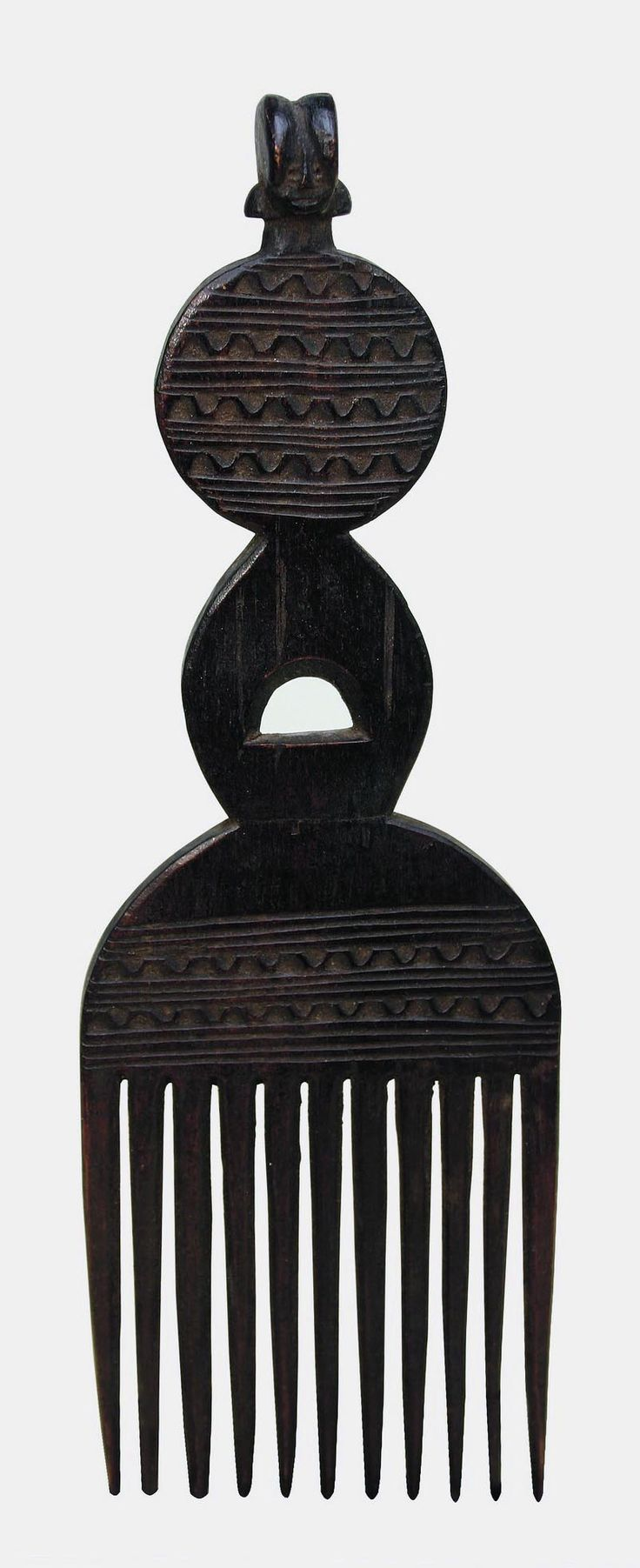 Africa | Comb from the Kwere people of Tanzania | Wood. BelAfrique your personal travel planner - www.BelAfrique.com