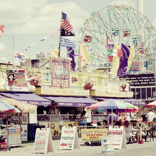 Coney Island back in the day: the #boardwalk culture we all aspire to // #hotdogs, please!