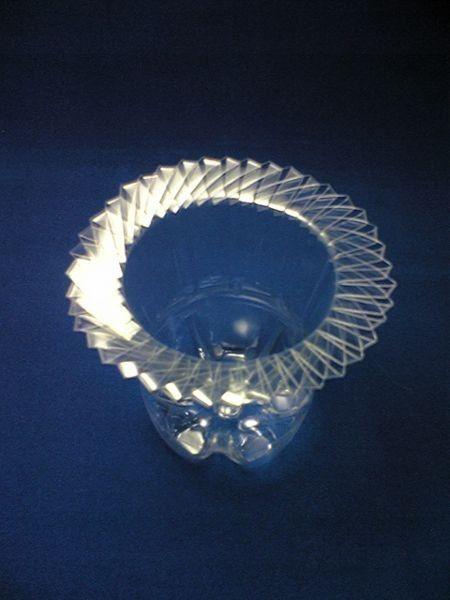 Поделка ваза из пластиковой бутылки