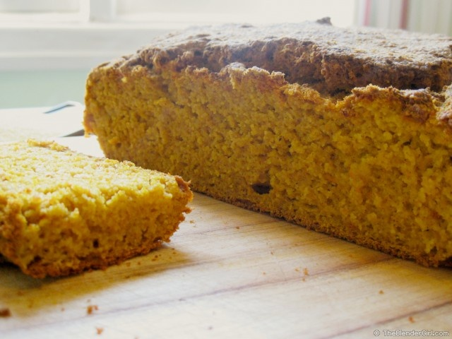 Gluten Free Pumpkin Cornbread - This gluten free pumpkin cornbread is ...