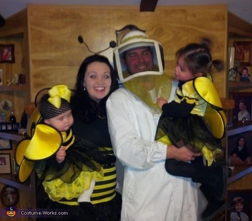 The Beekeeper and his Bees - Halloween Costume Contest via @costumeworks