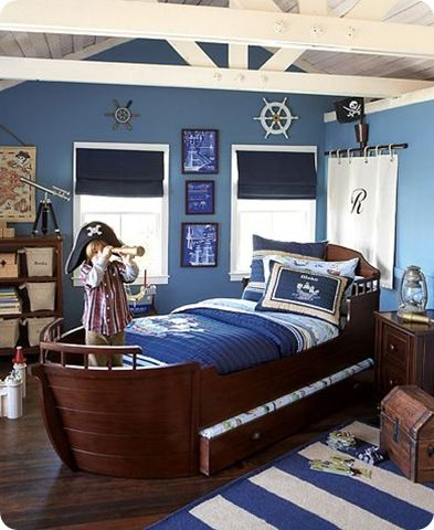 How awesome is that bed! Bowen would love this themed for Jake and the Neverland Pirates!!!