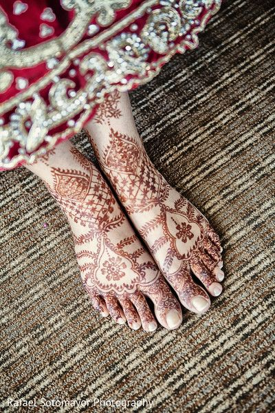 Mehndi http://www.maharaniweddings.com/gallery/photo/47196