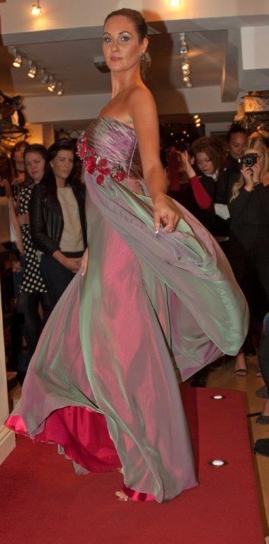 Long dress red carpet rose