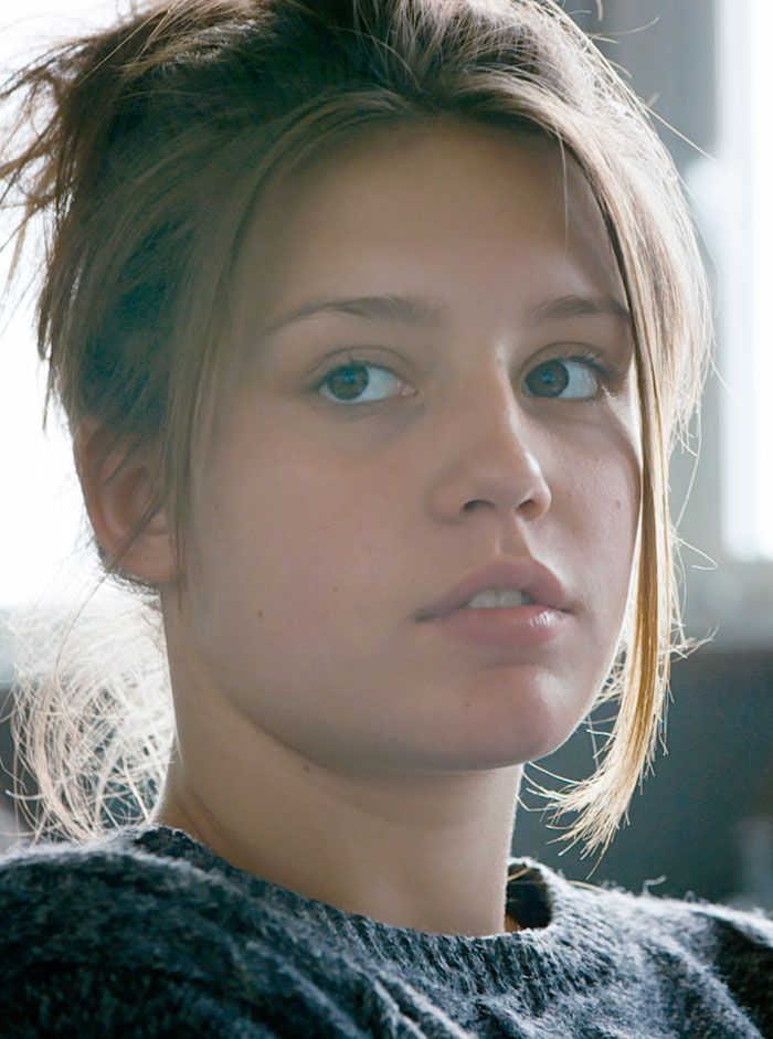 "Adele Exarchopoulos in ""Blue is the Warmest Color"" #Blueisthewarmestcolor #beauty"