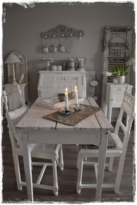 I want a farmhouse table like this! need to inspire my husband somehow :)