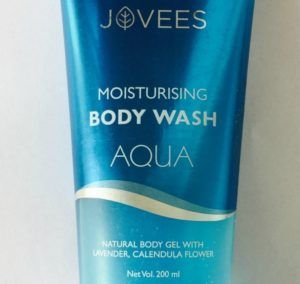 Refresh with Jovees Moisturising Body Wash Aqua  Gone are the days when people used to prefer soap. Personally speaking, even I use some soaps only when they have something special or maybe claim to have some therapeutic properties. Bathing becomes an altogether new experience with foams of soap with loofah and shower gels and there is such a wide variety nowadays to choose from. Jovees products have recently […]  The post  Refresh with Jovees Moisturising Body Wash Aqua  appeared f..