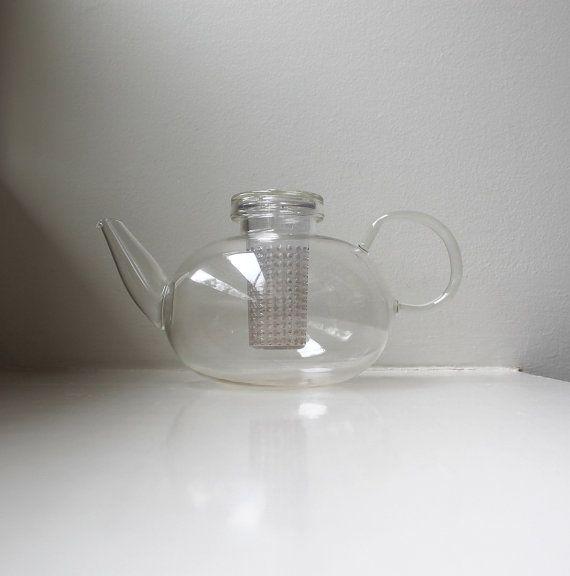Vintage Modern Glass Teapot Bodum di VintageModernAndMore su Etsy, $55.00