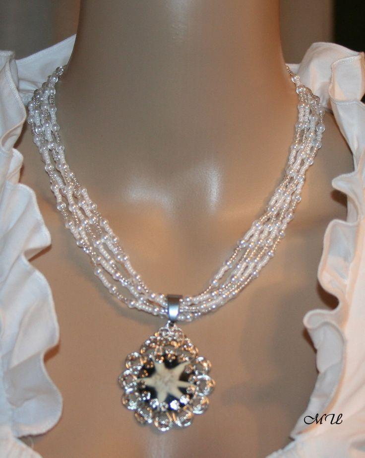 Perlencollier mit echtem Edelweiß von Edelweiss51 auf Etsy