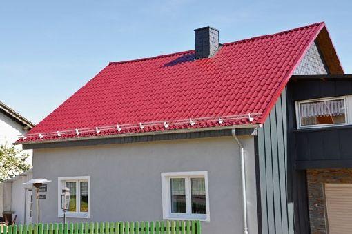 Homeplaza - Metalldachplatten bieten die besten Eigenschaften zum Nachrüsten - Bitumen- und Asbestdächer jetzt sanieren