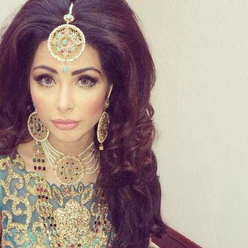 Pakistani bride - amazing jewelry and makeup