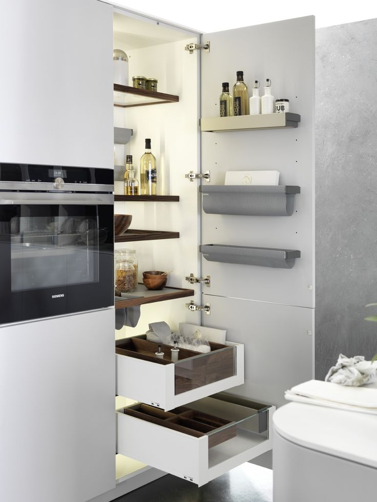 Maximize the space in your kitchen drawer, pantry and cabinets by integrating the Snaidero Passepartout kitchen accessories. This is the perfect storage solution to fully take advantage of the limited space you may have in your kitchen #SnaideroUSA