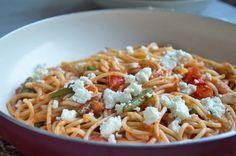 Spaghetti mit Fisolen und Schafskäse - Rezept