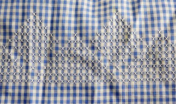 Azul y blanco moña medio delantal blanco punto de Cruz