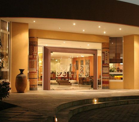 African interior design african regent hotel accra ghana for Interior decoration ghana