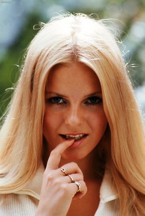Cheryl Ladd, 1972. Looks like the cover of teen 1972...Cheryl Ladd ♥ ♥ ♥ the best-looking angel (in my humble opinion)...she was known as Cheryl Jean Stopplemoore back then...later married David Ladd son of  film veteran actor  Alan Ladd..