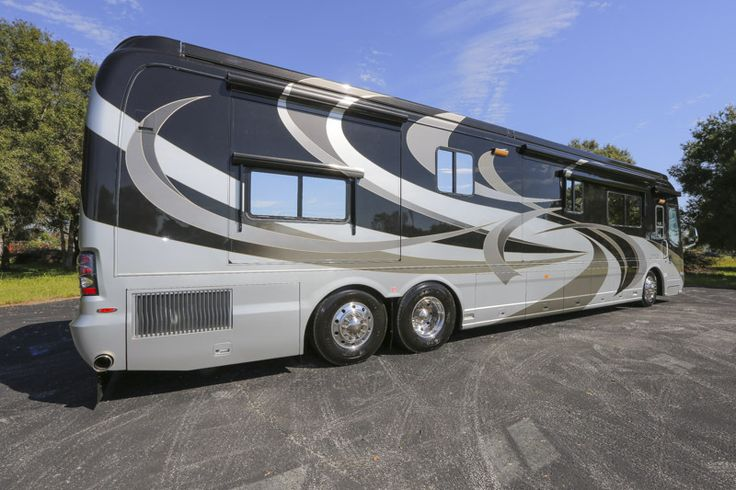 2010 country coach magna rembrandt for sale by owner anaheim ca classifieds class. Black Bedroom Furniture Sets. Home Design Ideas