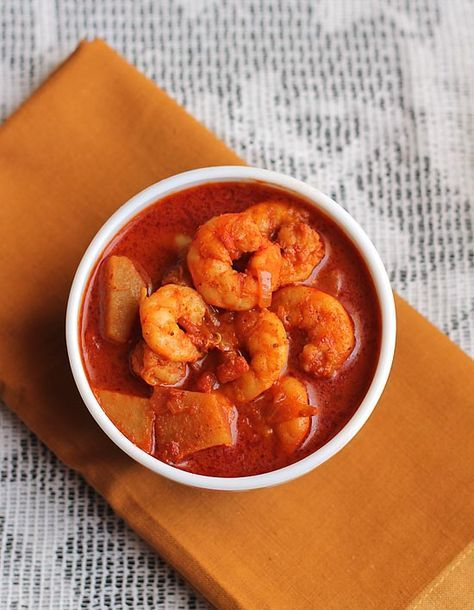 Prawn Vindaloo recipe a famous Goan-Portuguese dish which is very hot and spicy. Goan vindaloo tastes better as it ages just like a pickle.