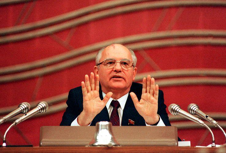 25 лет назад Михаил Горбачев реабилитировал всех жертв политических репрессий 1920–1950 годов - Андрей Соловьев/ТАСС