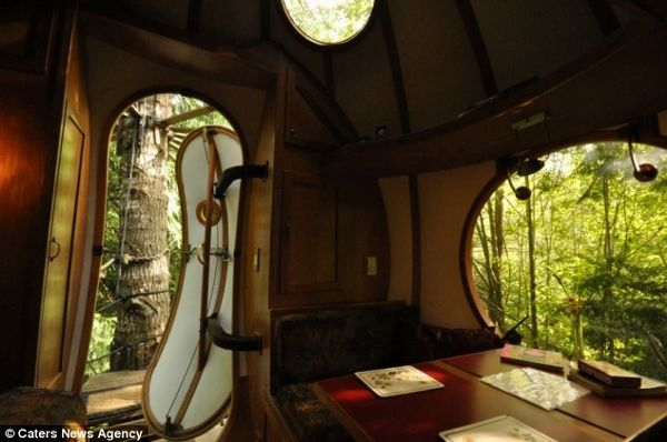 World's First 'Spherical Tree-House Hotel' - DesignTAXI.com