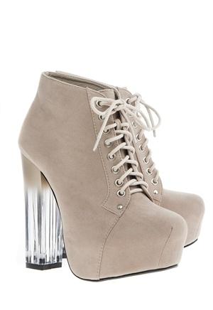 Nice spring shoes    Storlekstips: Normal passform - vi rekommenderar att du väljer den storlek du normalt har.  Klackhöjd: 13.5 cm  Platåhöjd: 4 cm  Ovandel: Tyg  Foder: Annat  Innersula: Annat  Sula: Annat
