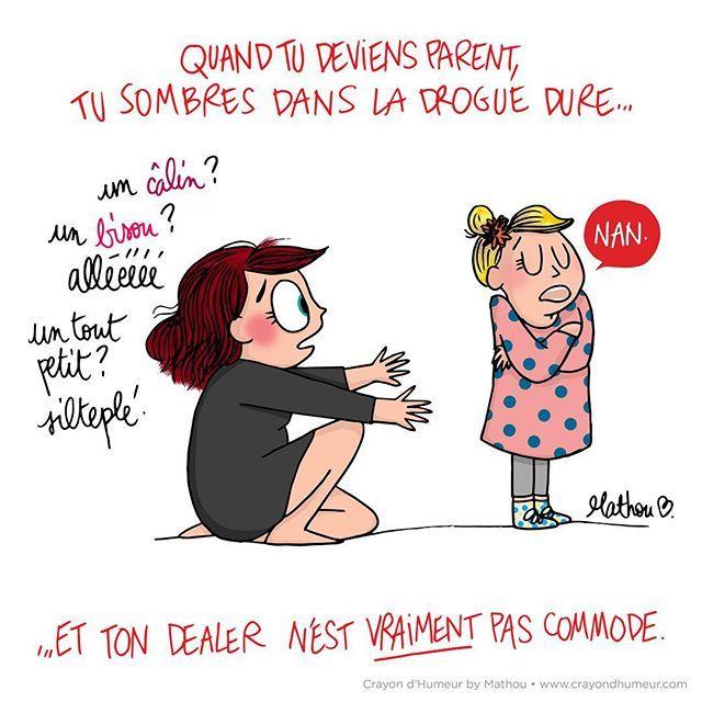 """{ REMIX DEALER } Et hop hop hop, on prend les mêmes et on recommence : je réutilise le dessin de la """"drogue des bisous"""" car là c'est un peu la course et je n'ai pas eu le temps de faire un inédit mais semaine prochaine promis ! Beau mercredi et bon week-end pour les chanceux qui sont en week-end ce soir (comme moi, normalement ^^) <3 #mathou #illustration #dessin #remix #dealer #drogue #bisous #humour #parent #babylove #addiction"""
