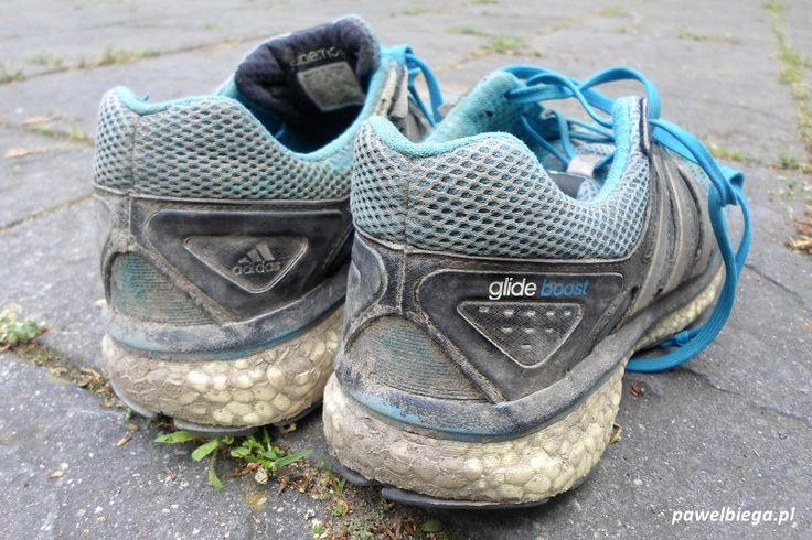 Glide Boosty to buty niemal niezniszczalne. Tak wygląda po 5000 kilometrów podeszwa tego buta. Widać, że Boost choć mocno zużyty konstrukcyjnie wytrzymał.