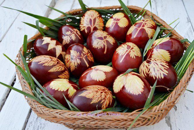 Retete Culinare - Oua vopsite cu coji de ceapa