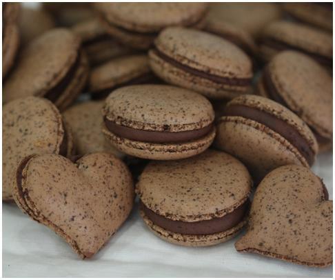 Macaron - Sweet Symphony (Bitter Chocolate)