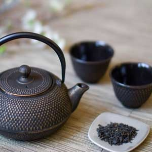 "I clean this teapot with the kind of attention I would have were I giving the baby Buddha or Jesus a bath.  ― Thich Nhat Hanh, ""The Miracle of Mindfulness: An Introduction to the Practice of Meditation"""