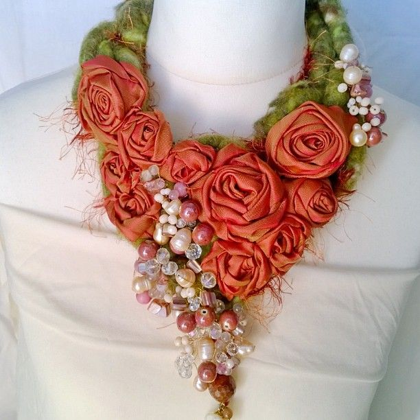 #autumn #fall #autunno #felted #scarf #bijou #jewellers #jewellery #accessories…