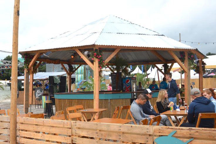 When Summer Ends Festival 2014 - Tents & Structures / Beachbar