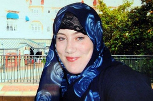 "Samantha Lewthwaite ""White Widow"" The widow of one of the terrorists who died in the 2005 London Underground bombings, this British woman is also considered to be a terrorist in her own right. She has been accused of orchestrating grenade attacks on non-Muslim places of worship and other terrorist acts, and she is currently wanted by Interpol and is considered one of the world's most wanted terrorists."